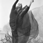 foto iz plesnega filma Slovo, režiser Karpo Godina, Slovenija, 1969 / Avtor fotografije: Leon Dolinšek (posneto na Nebotičniku, Ljubljana)